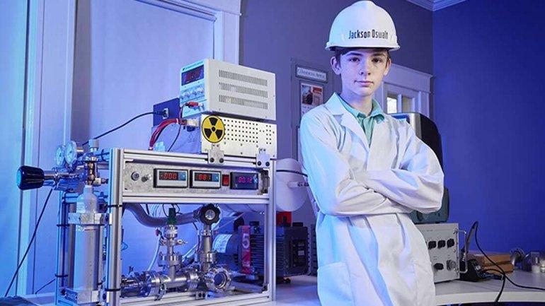 12 Yaşındaki Çocuktan İnanılmaz Başarı: Evinde Nükleer Füzyon Yaptı