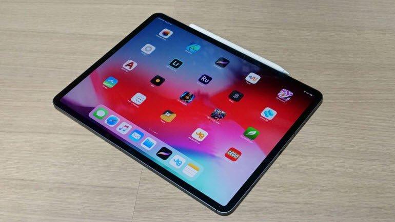 Apple, Eğri iPad Sorununu Kabul Etti