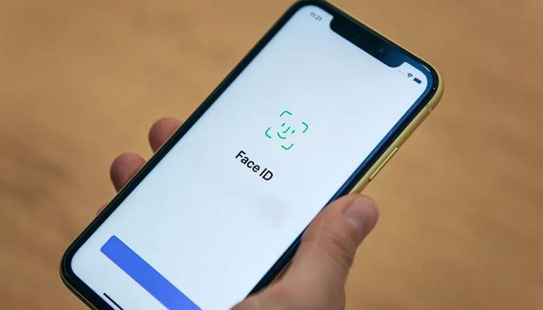 Apple, iOS 15'in Face ID'sini Kandırmanın Mümkün Olmadığını Söylüyor!