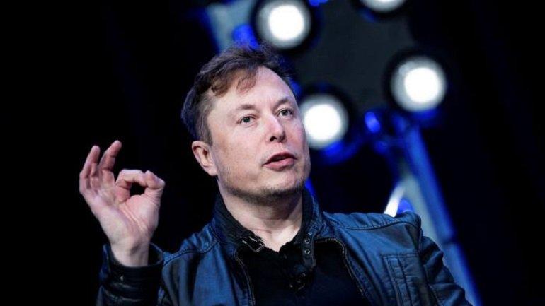 Elon Musk'tan Tesla Roadster için ilginç açıklama: Belki uçurabiliriz