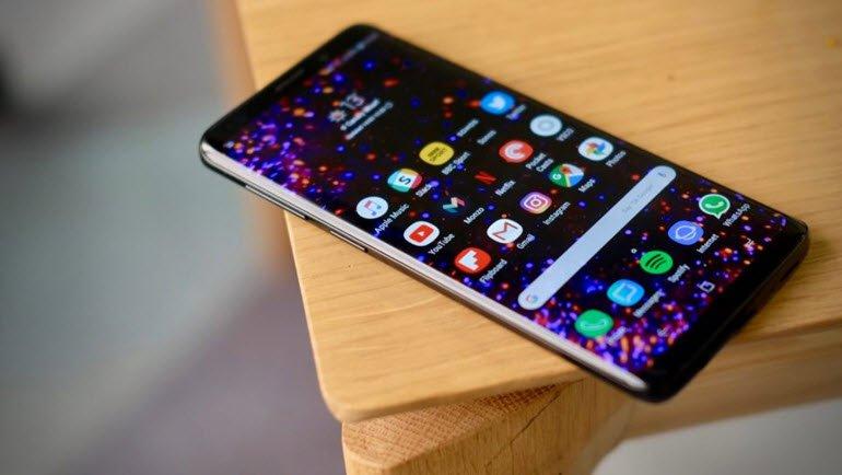 Galaxy S9 Plus'ın Güncellemesinde Pil Sorunu mu?