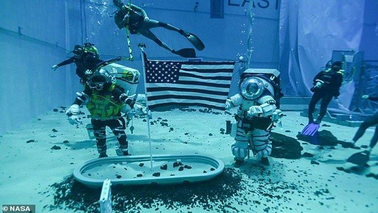 NASA, Ay'da kullanılacak astronot kıyafetleri test etti! İşte o görüntüler