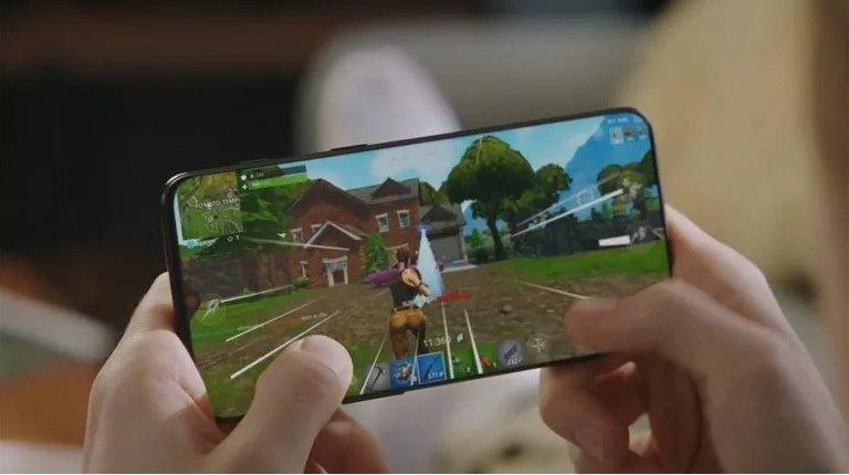 OnePlus 6T Yayınlanan Reklamıyla Aldatıyor!
