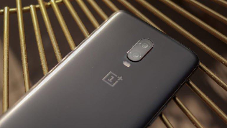 OnePlus CEO'sunun Elinde Yakalanan Telefon!