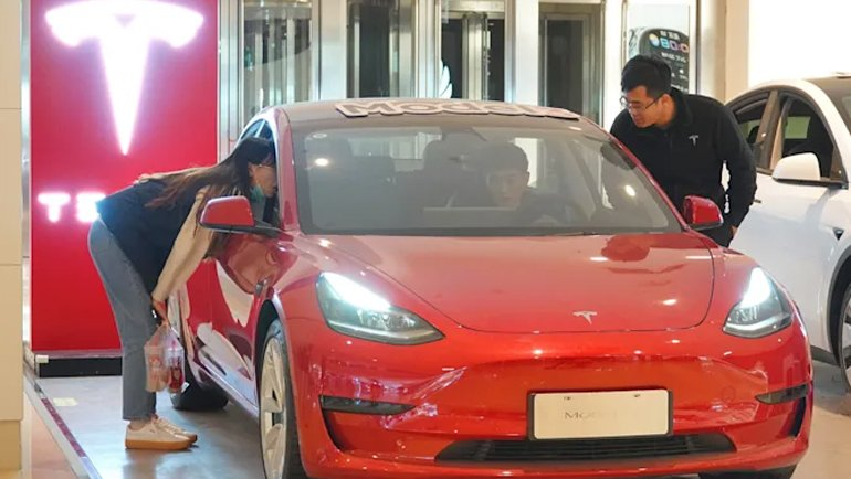 Otomotiv Sektörü Zor Günler Yaşasa da, Tesla İçin İşler Oldukça İyi Gidiyor