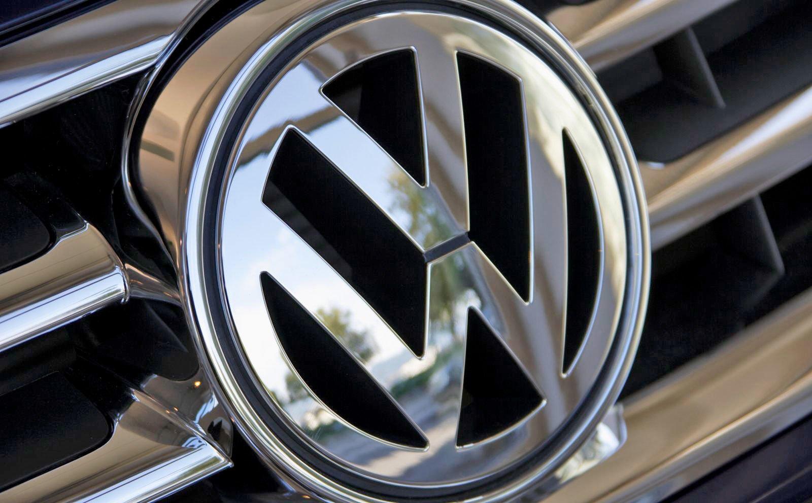 Volkswagen Volvo'dan WirelessCar'ı aldı!